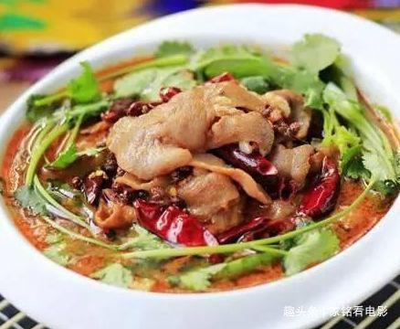 美食推荐:鱼炖大豆腐,芒果西米捞,水煮羊肉,油渣炒莲白的做法
