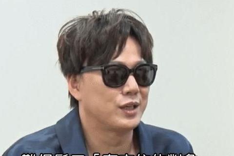 盲人歌手萧煌奇宣布恋情,靠气味判断房子好坏