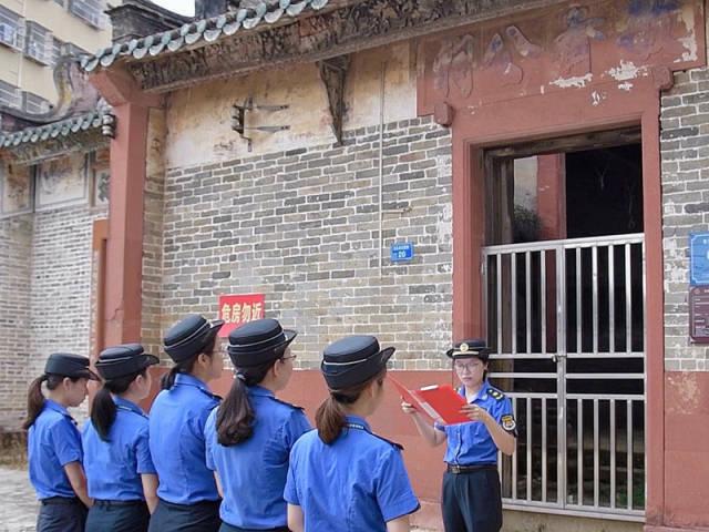 黄江玉兰女子中队开展党史巾帼课堂