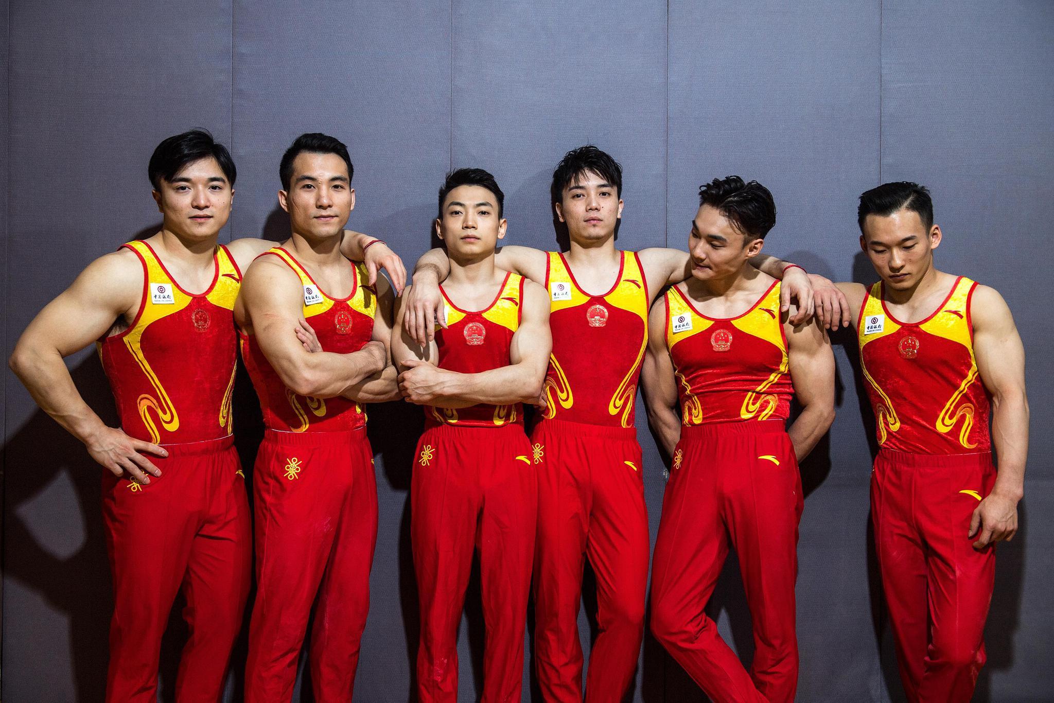 左起:刘洋、邓书弟、邹敬园、林超攀、孙炜、肖若腾。