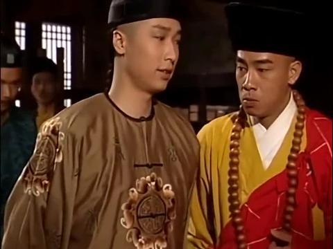 康熙给清凉寺捐香火钱,韦小宝一副真和尚的样子