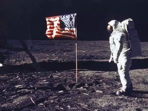 """阿姆斯特朗成为""""登月第一人""""!你知道古今""""写月第一人""""是谁么"""