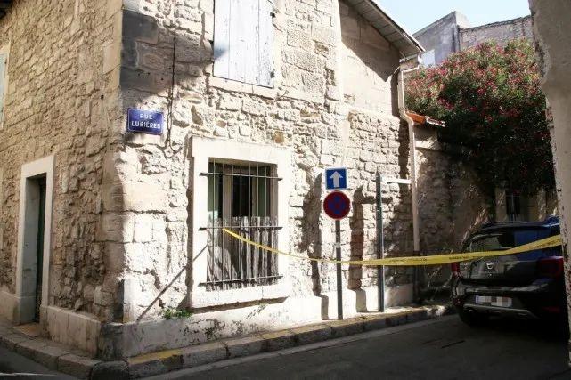 涉嫌斩首13岁男孩还吃人肉 法国一男子被警方击毙