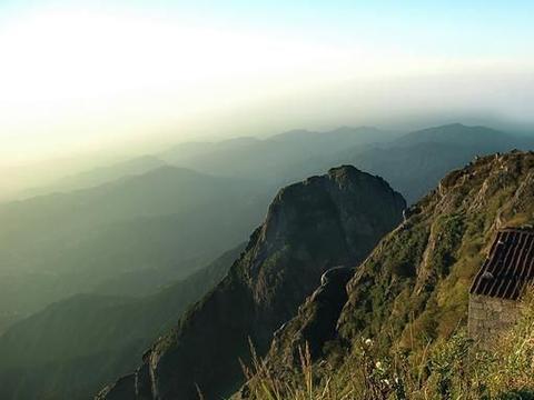 江西赣东胜景军峰山,险绝,神奇、秀美,游客登高览胜好出去