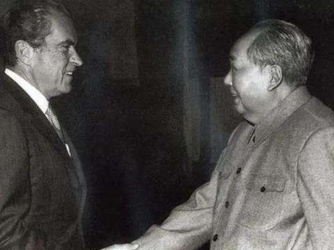 尼克松问毛泽东怎么称呼蒋介石,他只说了7个字:我们也叫他土匪