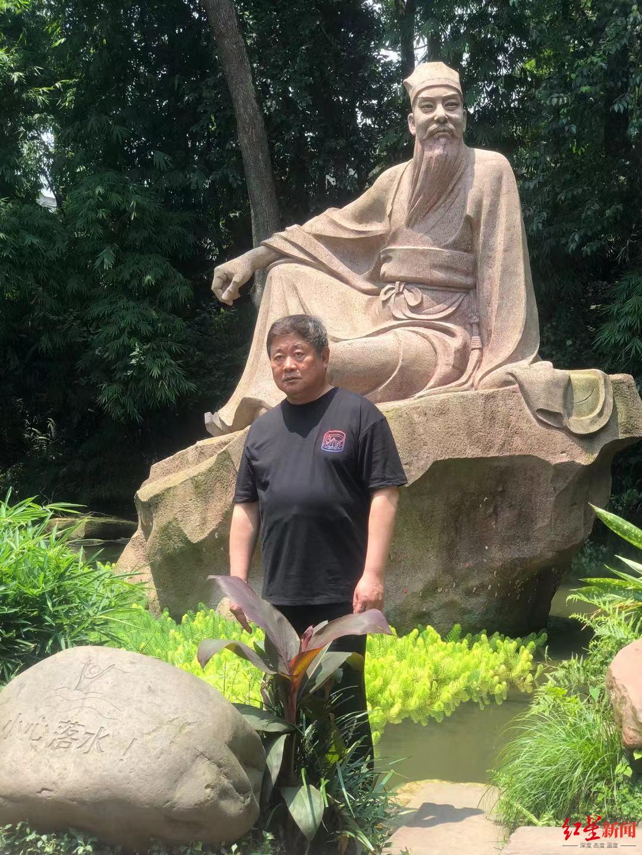 原故宫博物院院长单霁翔参观三苏祠:希望东坡文创可以共享研发