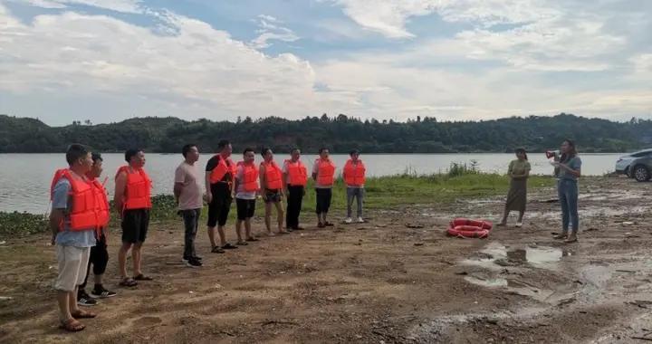 防溺水衡阳在行动:衡东县甘溪镇开展防溺水安全应急救援演练
