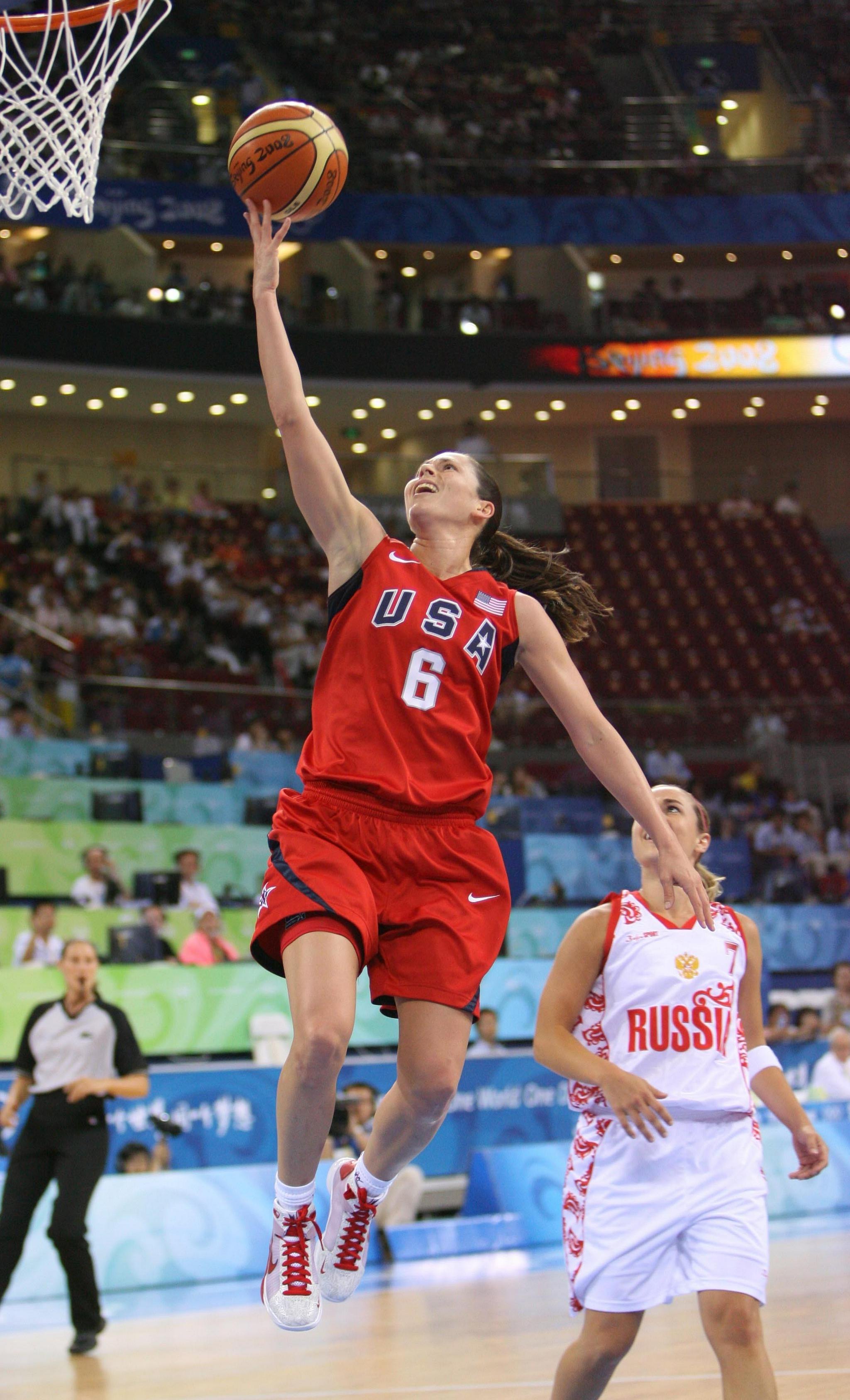 东京奥运会|五届元老苏·伯德成为美国队旗手