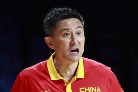 周鹏因伤退出中国男篮,张镇麟一根独苗,杜锋能否重用?