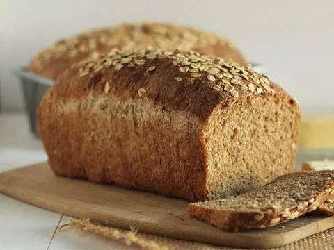 """长期吃""""全麦面包"""",有益还是有害?不管好坏,这二类人最好少碰"""