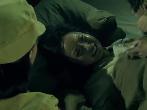 从将军到士兵:李露婷难产,不料指导员叫来个兽医,真是服了!