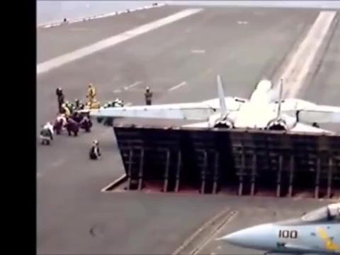 航空母舰10秒内连续弹射三架重型战斗机,中国要加油