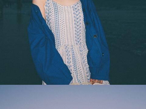 沈月一些复古氛围感大片分享,偏爱胶片滤镜,是港味少女的模样