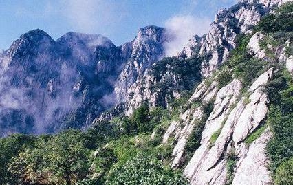 """""""中华第一神山"""",世界自然文化遗产,国家级风景名胜景区"""