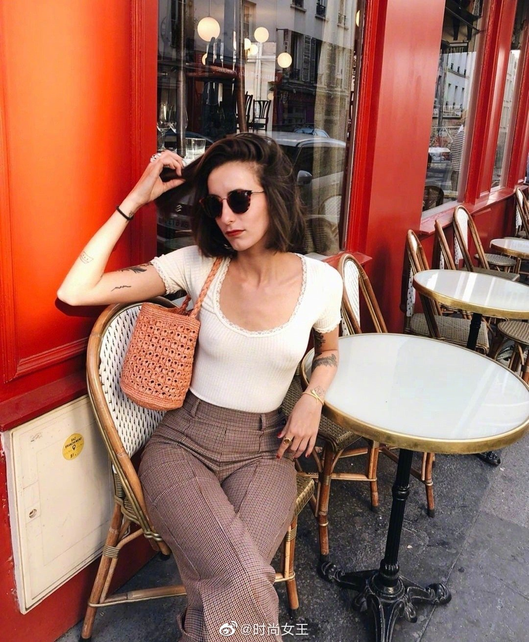 法国时尚博主的夏日穿搭look更新|浪漫清新的法式田园风~