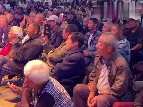 """曲胡演奏家张付中赢冠老总田冠军合作演唱曲剧海派""""小仓娃""""片段"""