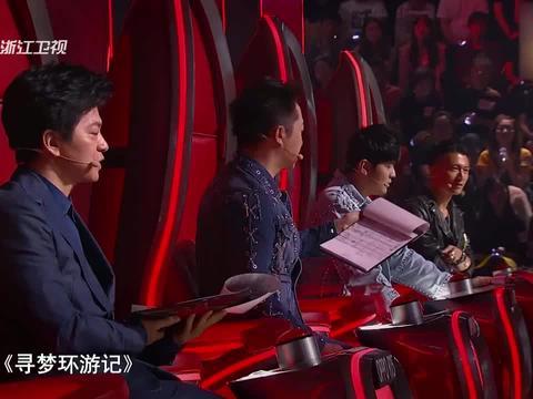 中国好声音:陈彼得老师竟然来了,全场起立致敬