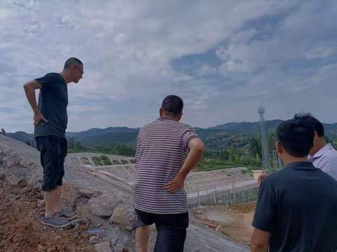 西乡一工地挖出汉代青铜器