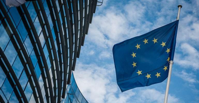 """欧元区7月服务业PMI创新高 """"绿色通行证""""助力经济复苏"""