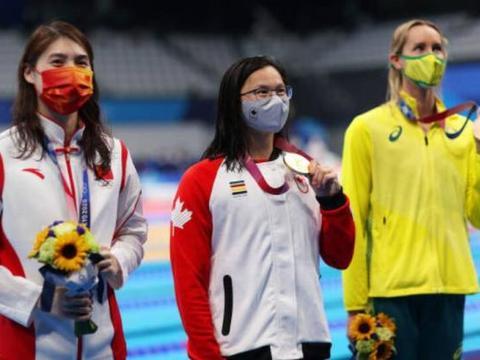 力压张雨霏夺金的加拿大选手也是中国人,曾遭父母弃养