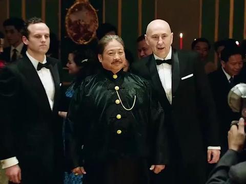 将军不给上海大佬面子,带人闯入生日宴会,场面瞬间紧张起来