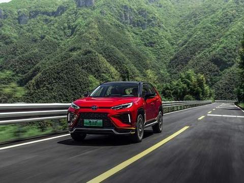 丰田新技术抢眼,油耗1.1L,加速6S内,要啥有啥,还买啥汉兰达