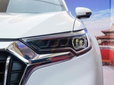 国民豪华SUV,配256色氛围灯+BOSE音响,2.0T动力,价格亲民