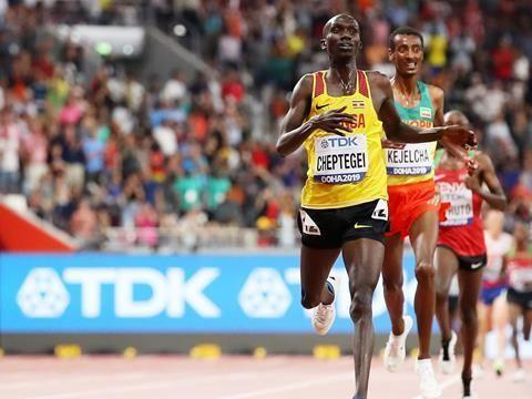 10岁开始跑步,手握双世界纪录比肩博尔特,东京奥运会田径看他的