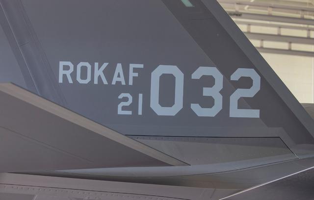 不声不响,一天时间接收4架F-35A隐形战斗机,韩国空军后来居上