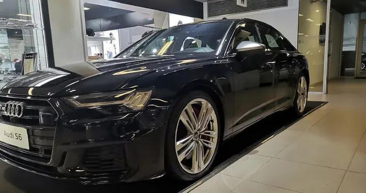 性能强悍,拥有黑色涂装,奥迪S6实车实拍