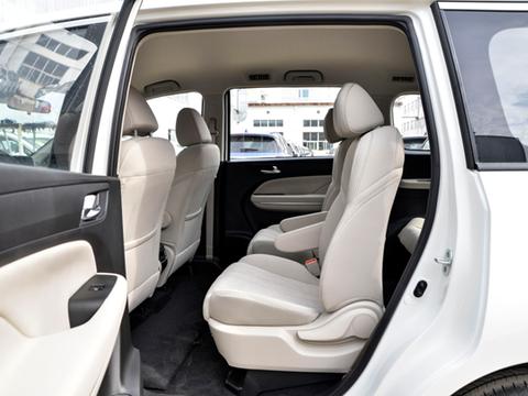 车长近4米9,配1.5T自动挡+6个VIP座椅,价格比传祺M6还实惠