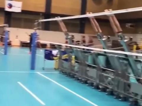 日本开发排球陪练机器人,可自动调节位置