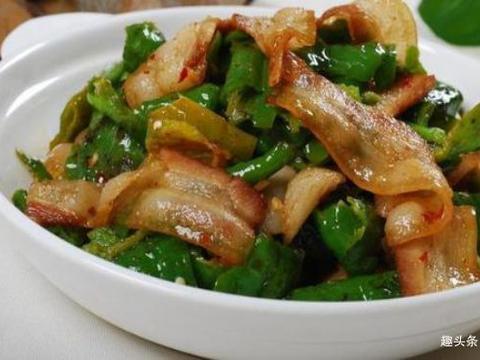 青椒回锅肉,蕃茄牛肉汤,湘味脆笋肥牛,酱香小炒茄丁