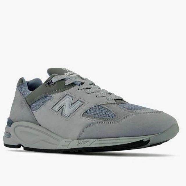 WTAPS x New Balance M990v2 全新联名曝光,以灰色为主色调……