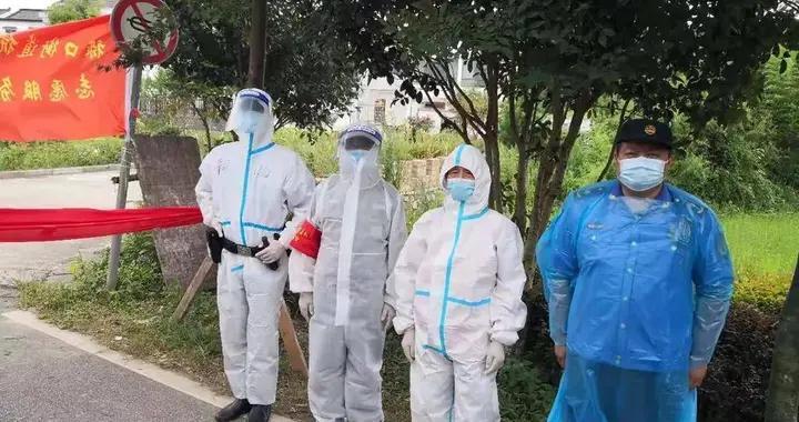南京战疫   刚下手术台就上防疫点……江宁禄口封控区这些城管队员在坚守