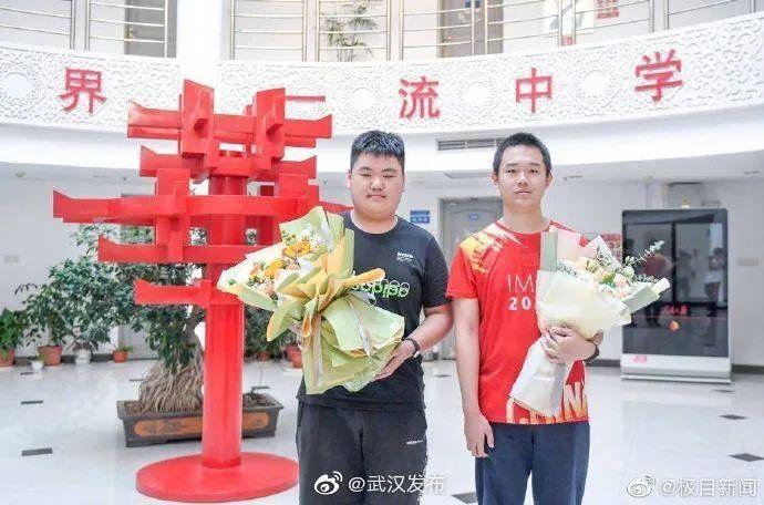 重庆两幼童坠亡案昨日开审 罪犯作案细节还原 7月27日经视早知道