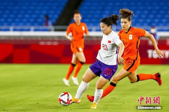 中国女足主教练贾秀全:打6个门框也是我的责任