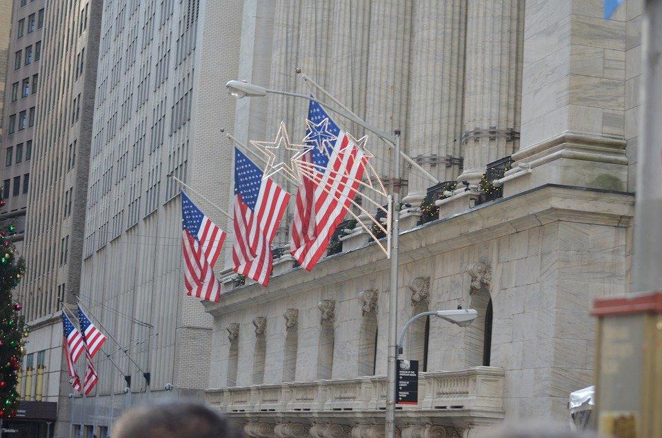美股前瞻   华尔街多头预警:标普500将出现5%-8%回调