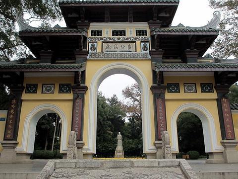 """柳州这座绝美公园,为纪念历史名人而建,有""""柳州颐和园""""的美誉"""