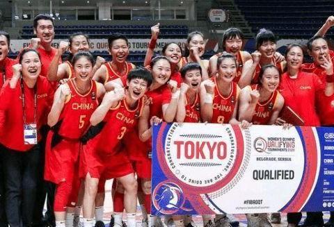 央视直播!中国女篮迎奥运首战,许利民带伤执教,李梦誓率队取胜