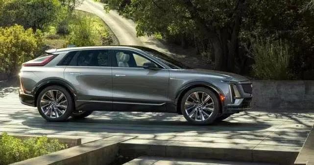 """通用汽车宣布2022年发布6款车型搭载""""超级巡航""""功能"""