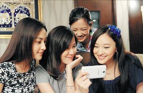 28岁TVB富二代小花正式离巢补度蜜月,网友感叹:浪费了12年时间