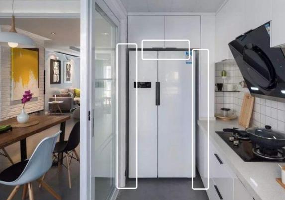 冰箱放在厨房还是在餐厅?设计师告诉你放哪更合适!