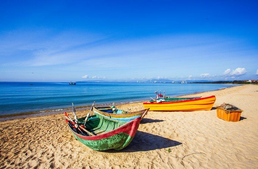 海南陵水:守护最美海岸线 打好蓝天保卫战