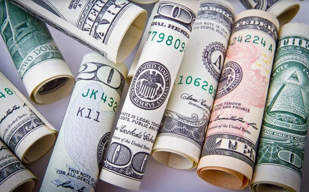 《【无极2娱乐手机版登录】二季度美国GDP约5.7万亿美元,同比增长12.5%,环比年化增长6.5%》