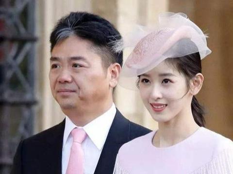 看刘强东和章泽天热恋的模样,再看邓超和孙俪,网友:都是老司机