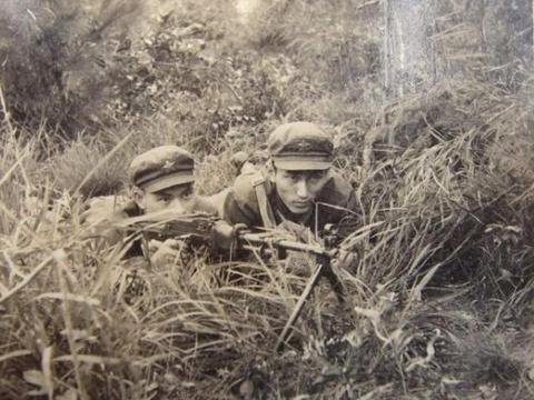 越军炮击老山8小时,实施M-1计划,解放军激战10分钟收复失地