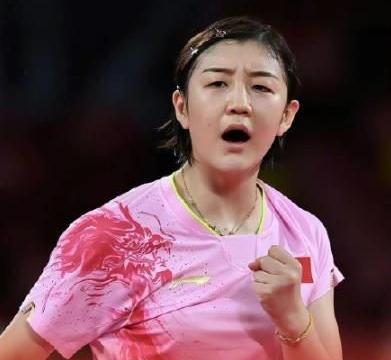 baby为陈梦加油后,黄晓明也在第一时间恭贺表妹陈梦