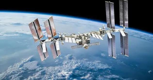 """俄""""科学""""号实验舱与国际空间站成功对接"""