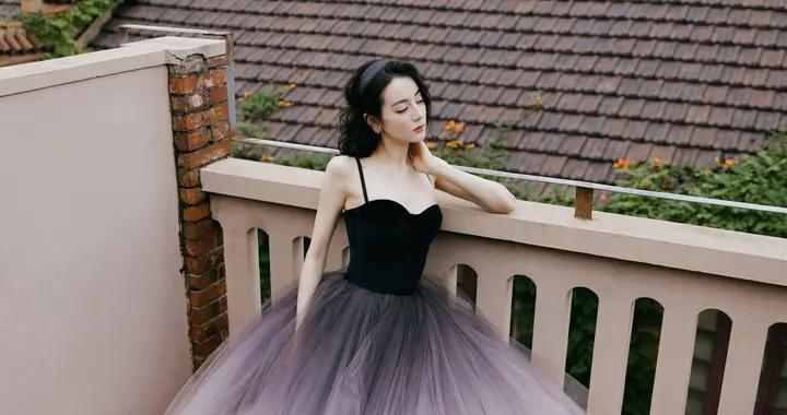 迪丽热巴是在逃公主吗?渐变色吊带蓬蓬裙优雅又可爱,太爱了